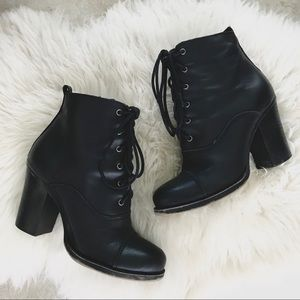 Chinese Laundry Elise Combat Boots | Black Booties